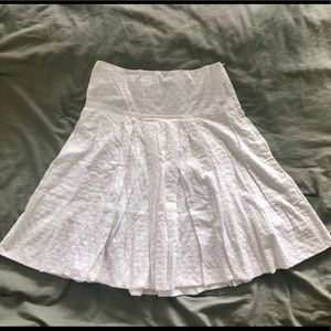 BCBG 100% cotton white mid-length skirt